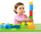 Kinder wünschen sich nicht immer nur sinnvolles und kindgerechtes Spielzeug, sondern lassen sich von Werbung und Schaufensterauslagen leiten.
